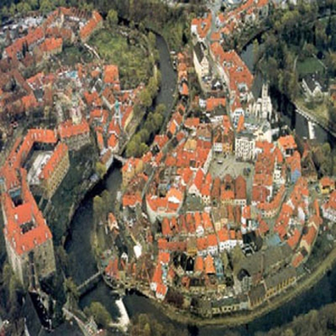 Tourcaster: Bohemian Jewel: CeskyK rumlov