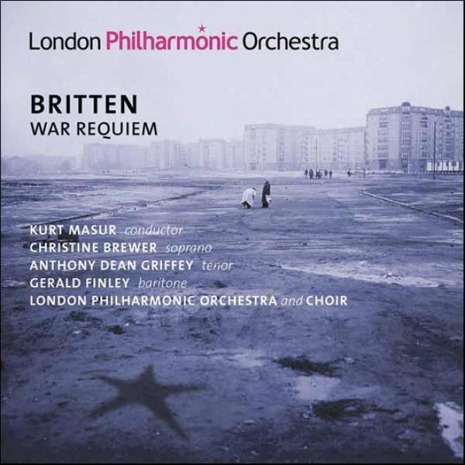 Britten, B.: War Requiem (brewer, Griffey, Finley, Tiffin Boys' Choir, London Philharmonic Choir And Orchestra, Masur)