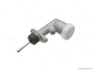 1961-1969 Volvo 1800 Clutch Master Cylinder Trw Volvo Clutch Master Cylinder W0133-1611014 61 62 63 64 65 66 67 68 69