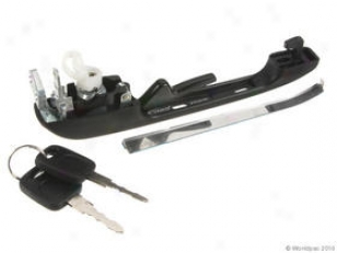 1980-1987 Audi 4000 Door Handle Vaico Audi Door Handle W0133-1626130 80 81 82 83 84 85 86 87