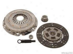 1985-2000 Ford Mustang Clutch Kit Valeo Ford Clutch Kit W0133-1604200 85 86 87 88 89 90 91 92 93 94 95 96 97 98 99 00