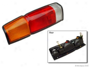 1987-1994 Nissan D21 Tail Light Lens Genera Nissan Limitation Light Lens W0133-1619851 87 88 89 90 91 92 93 94