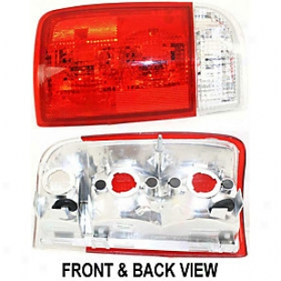 1995-2005 Chevrolet Blazer Tail Light Replacement Chevrolet Tail Light 11-3203-01 95 96 97 98 99 00 01 02 03 04 05