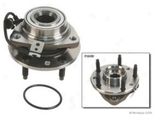 1998-2005 Chevrolet Blazer Wheel Hub First Equipment Quality Chevrolet Wheel Hub W0133-1693329 98 99 00 01 02 03 04 05