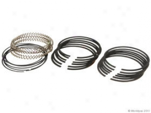 2000-2001 Jeep Cherokee Piston Ring Set Mopar Performance Jeep Piston Ring Set 0W133-1680489 00 01