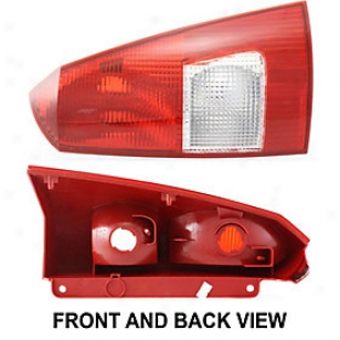 2000-2003 Ford Focus Tail Lught Replacement Ford Tail Light F730115 00 01 02 03