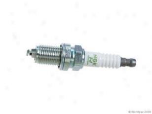 2001-2003 Toyota Sequoia Spark Plug Ngk Toyota Spark Plug W0133-1824591 01 02 03
