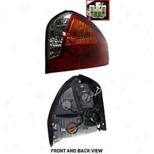 2001-2004 Hyundai Santa Fe Tai Light Replacement Hyundai Tail Light H730141 01 02 03 04
