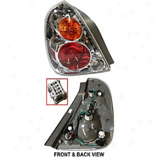 2002-2004 Nissan Altima Tail S~ Replacement Nissan Tail Light 3151938las 02 03 04