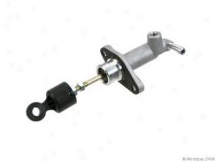 2003 Hyundai Tiburon Clutch Mastsr Cylinder Pbr Hyundai Clutch Master Cylinder W0133-1651034 03