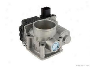 2004-2005 Nissan Sentra Throttle Body Hitachi Nissan Choke Body W0133-1838946 04 05