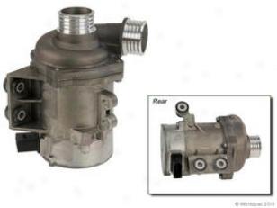 2006-2007 Bmw 525i Water Pump Oes Genuine Bmw Water Pump W0133-1835163 06 07