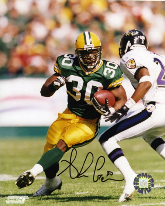 Ahman Green Green Bay Packers - Running - 8x10 Autog5aphed Photograph