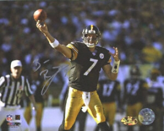 Ben Roethlisberger Pittsburgh Steelers - Throwing In Black Jersey - 8x10 Autographed Photograph
