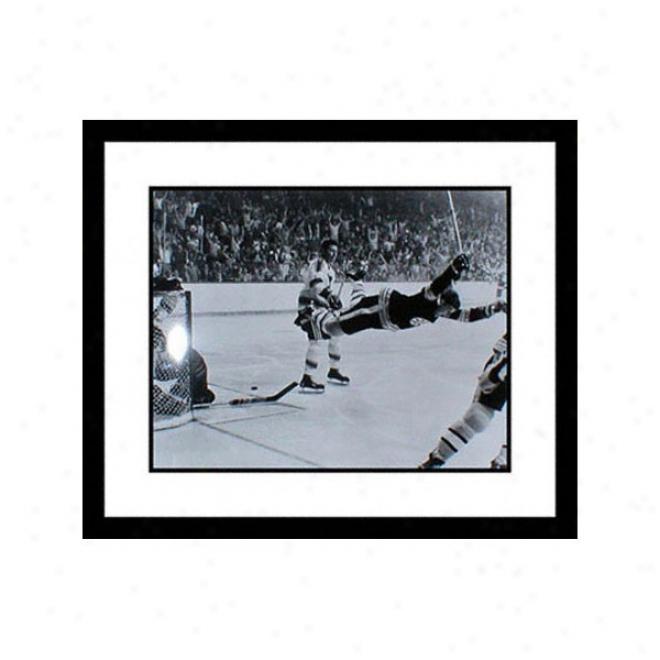 Bobby Orr Framed 8x10 Photograph - The Penetrate