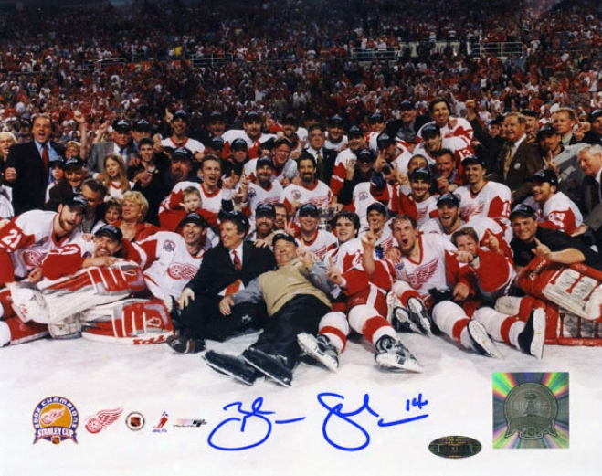 Brendan Shanahan Detroit Red Wings - 2002 Stanley Cup Champs - Autographed 8x10 Photograph