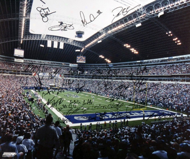 Dallas Cowboys 20x24 Aut0graphed Photograph - Team Singed