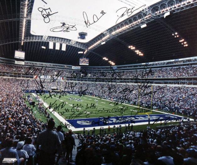 Dallas Cowboys 20x24 Aut0graphed Photograph - Team Singed