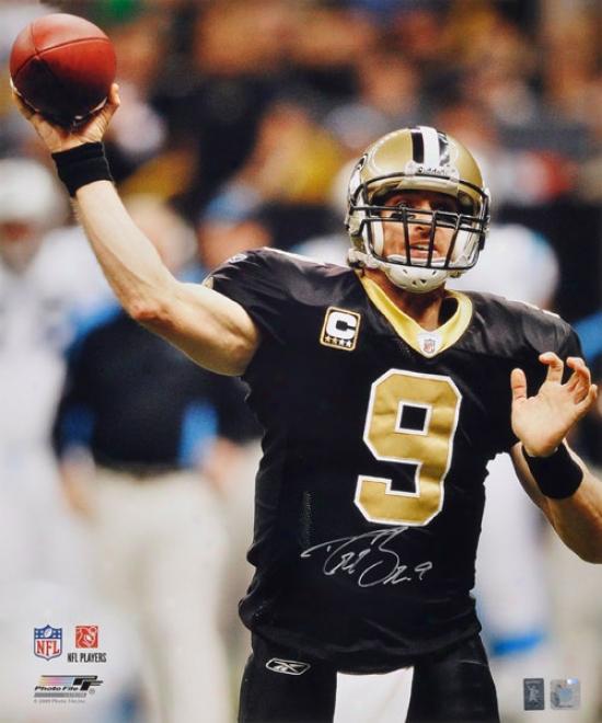 Drew Brees Autographed Photograph  Detsils: New Orleans Saints, 20x24, Throwing