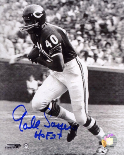Gale Sayera Chicago Bears Black And White Autographed 8x10 Photograph With Hof 77 Inscription