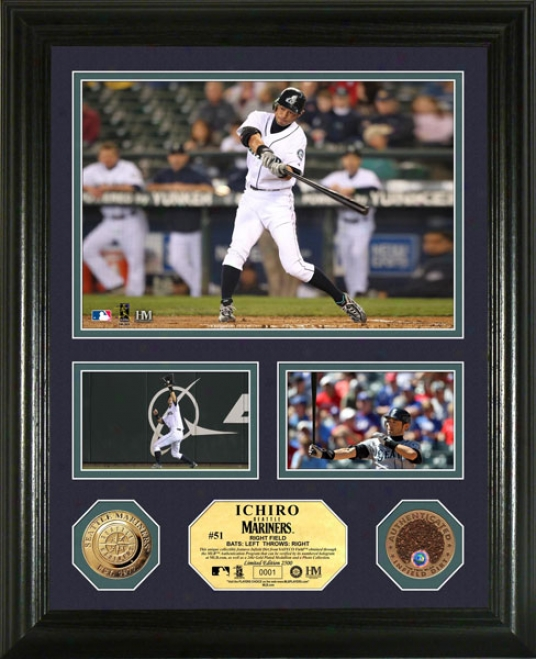Ichiro Suzzuki Seattle Mariners Coin With Authentic Infield Dirt Photo Mint