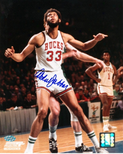 Kareem Abdul-jabbar Milwaukee Bucks - Action - Autographed 8x10 Photograph