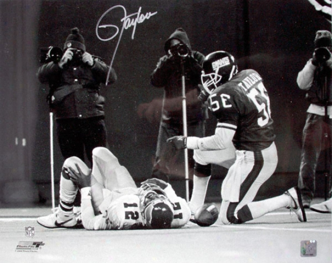Lawrence Taylor Signed Photograph - New York Giants 16x20 Autographed Picture Sacking Cunningham