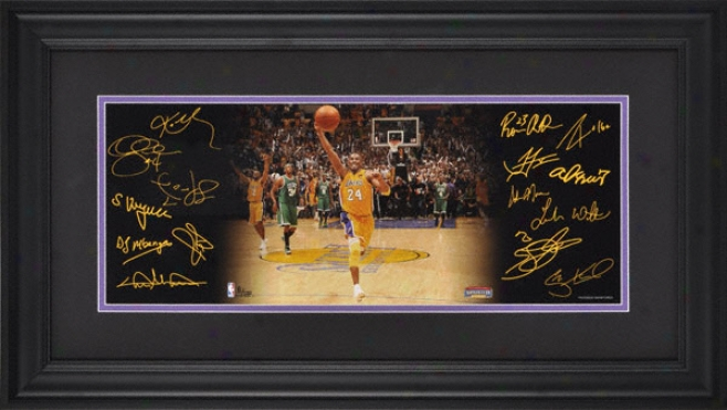 Los Angeles Lakers 2010 Nba Champions Fram3d 8x24 Mini Panoramic By the side of Facsimile Signatures - Limited Edition Of 500
