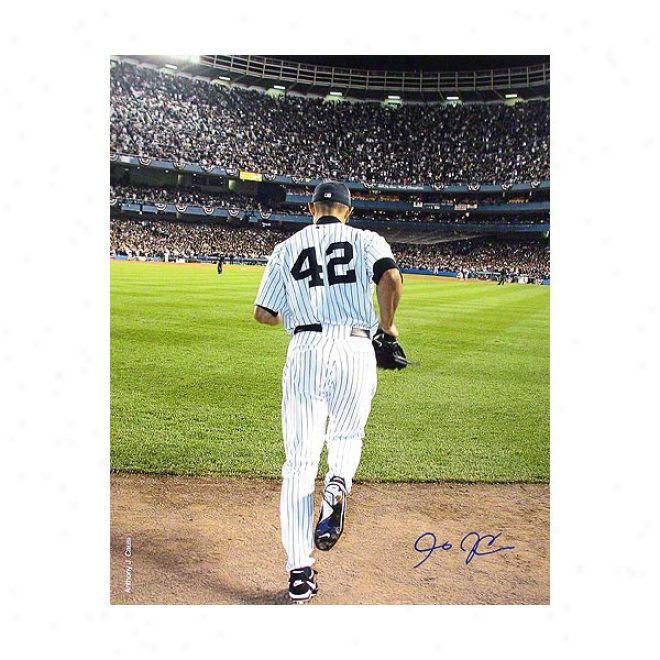 Mariano Rivera New York Yankees 8x10 Photo 2006 Entering The Game- Color