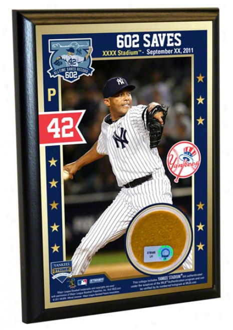 Mariano Rivera Record Rupture Save 4x6 Dirt Plaque: 602nd Career Save