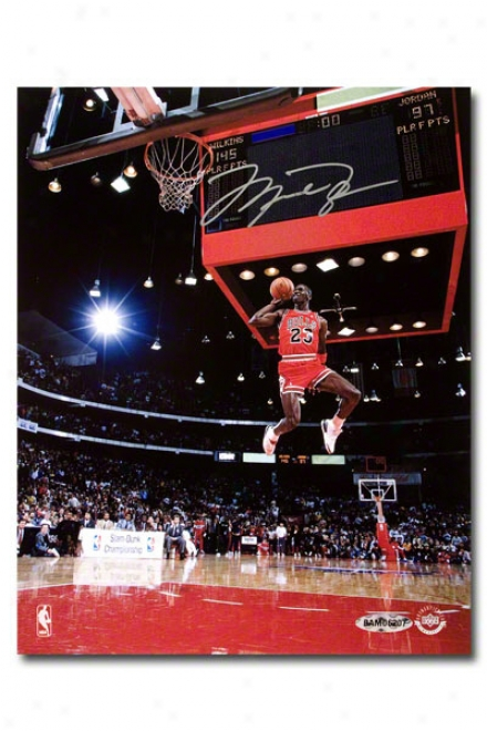 Michael Jordan Autogrpahed Chicago Bulls 88 Slam Dunk Scoreboard 8x10 Unframed Photograph