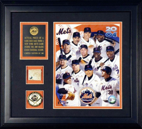 New York Mets 2004 A Piece Of The Be ~ed Framed 8x10 Team Photograph With Game Used Base Piece And Medallion