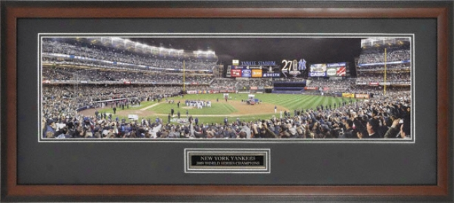 New York Yankees - 2009 World Seriee Champs - Framed Panoramic Photograph