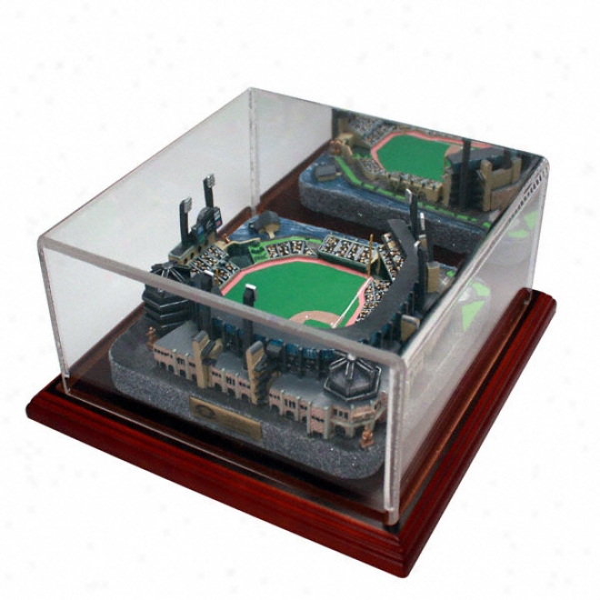 Pittsburgh Pirates Pnc Park Replica With Case - Gold Series
