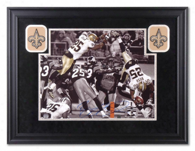 Reggie Bush New Orleans Saints - Jump Over - Deluxe Framed Autographed 16x20 Photograph