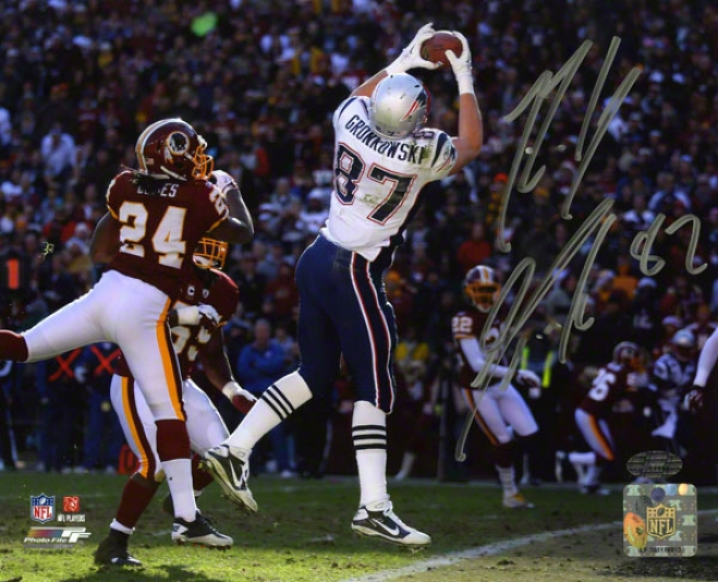 Rob Gronkowski Autographed 8x10 Photograph  Details: New England Patriots, Vs Washington Redskins