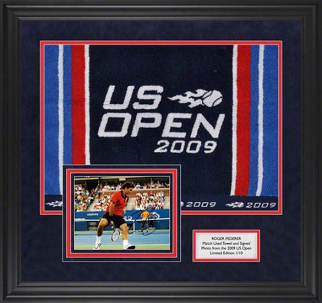 Roger Federer 2009 Us Open Match Used Towel And Autographed Framed Photograph