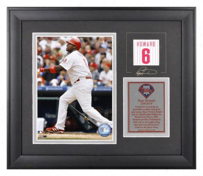 Ryan Howard Framed 6x8 Photograph  Details: Philadelphia Phillies, With Facsimile Signature