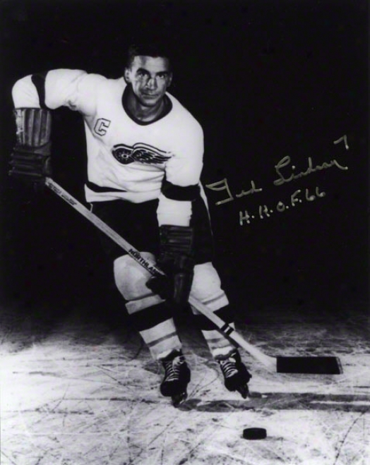 Ted Lindsay Autographed 8x10 Photograph  Details: Detroit Red Wings, Black And White, &quoth.h.o.f. 66&quot Inscription
