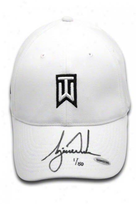 Tiger Woods Autographed Nike Victory Fitted Whige Cap