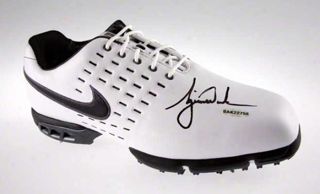 Tiger Woods Autographed Nike White Andd Black Golf Cleats Size 11