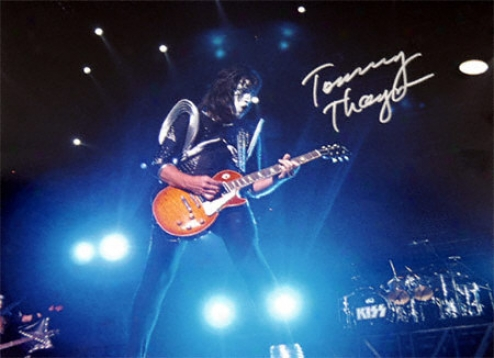Tommy Thayer 11x14 Autoyraphed Photograph
