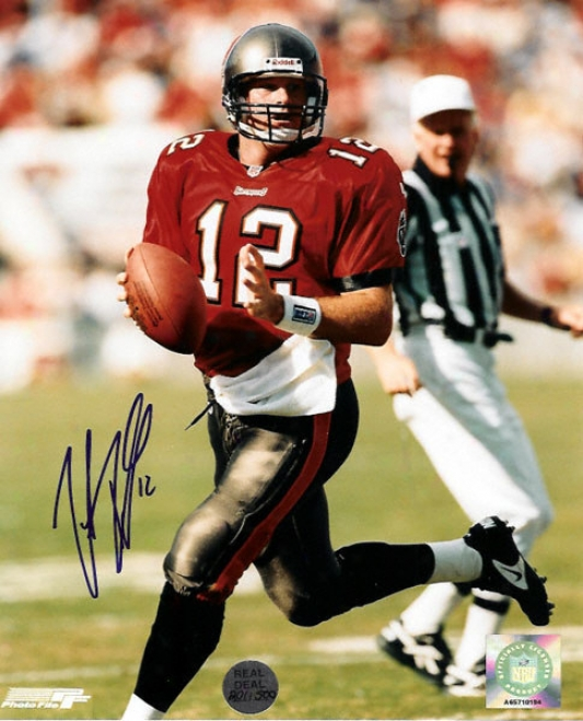 Trent Dilfer Tampa Bay Buccaneers - Red Jersey - Autographed 8x10 Photograph