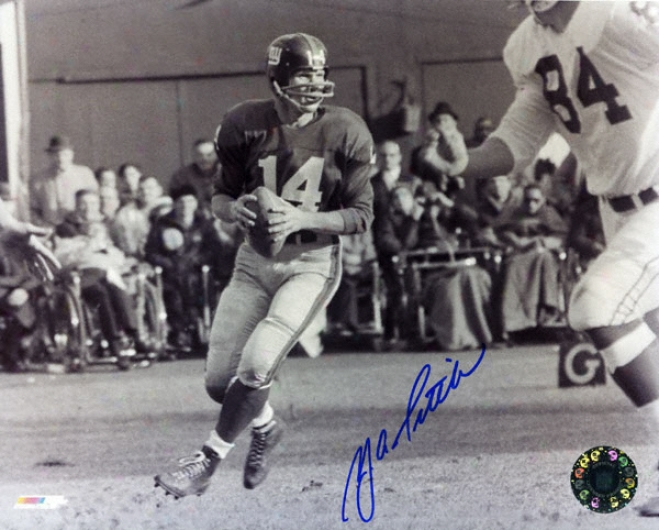 Y.a. Tittle New York Giants 8x10 Autographed Black And Of a ~ color Photograph