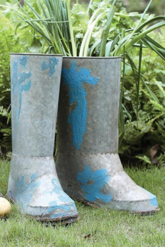 Iron Boot Planter - 11.5x.45, Silver