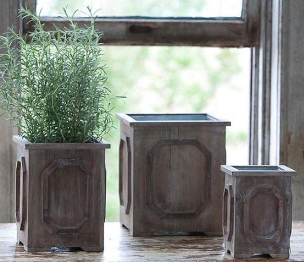 Medallion Planter - Large 11x10, Weathered Wood