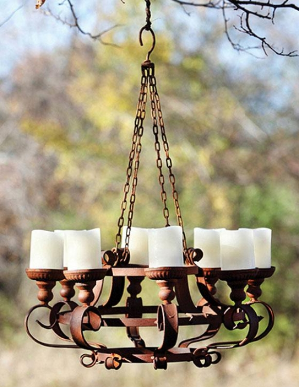 Rusty Chandelier - 9hx24wx24d, Rusty Metal