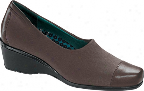 Aetrex Andrea Pump (women's) - Brown Stretch