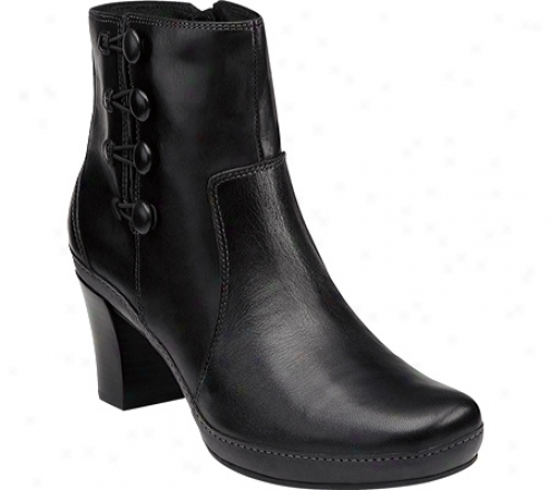Clarks Mika Tara (women's) - Black Leather