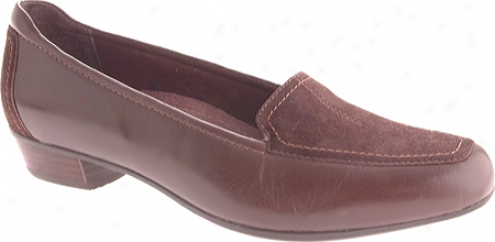 Clarks Timeless (women'q) - Brown Leather